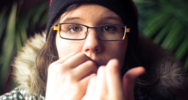 כיצד ניתן לעזור לבני נוער להתמודד עם מתחים ולחצים?